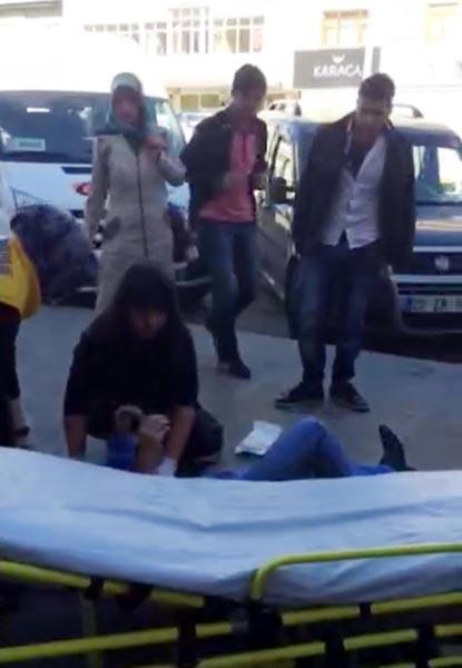Kocasını sokak ortasında tabancayla vurdu