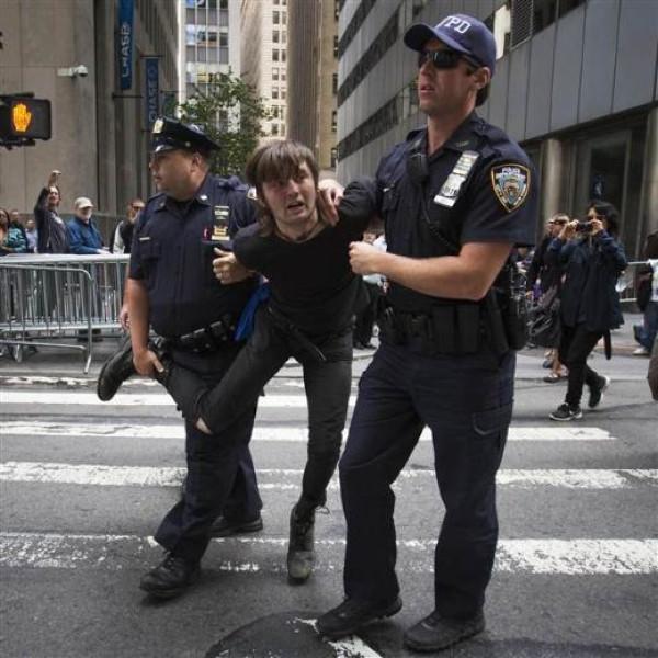 Wall Street'i bastılar