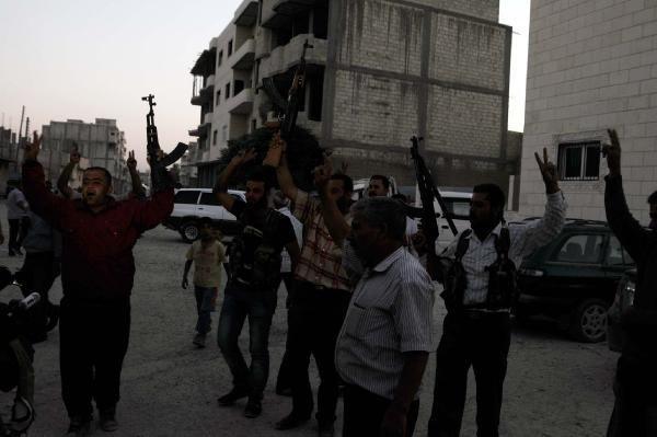 DHA ekibi Kobani'ye girdi