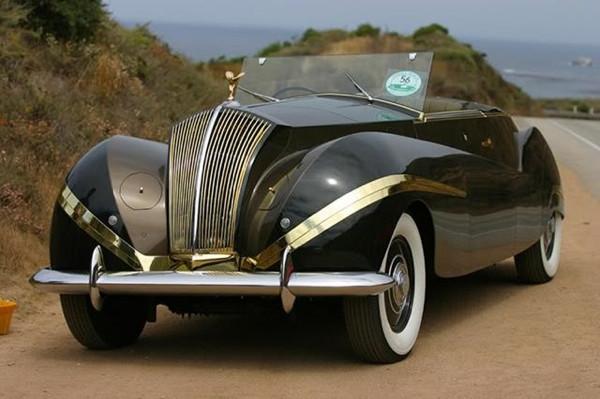 Tasarımlarıyla çağının ötesine geçmiş 18 klasik araba