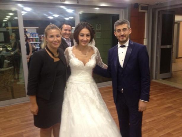 İstanbul'daki düğünlerine yetişmek için...
