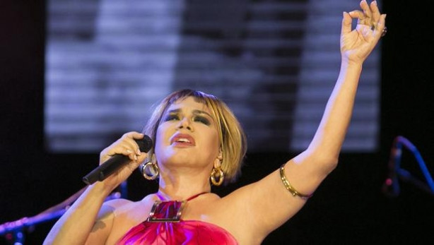 Sezen Aksu Harbiye'de konser verdi