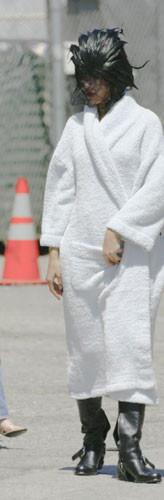 Rihanna klip için imaj değiştirdi