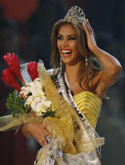 Kainatın en güzel kızı Dayana Mendoza