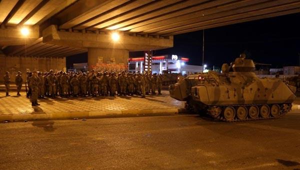 Diyarbakır'da büyük gerilim, asker şehre indi.