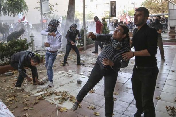 Kobani bahanesiyle Türkiye'yi savaş alanına çevirdiler