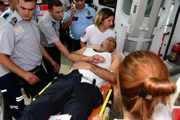Polis aracına molotoflu saldırı