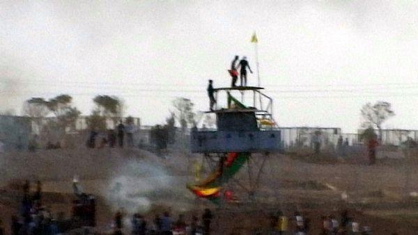 Nöbet kulübesine Öcalan'ın posterini astılar