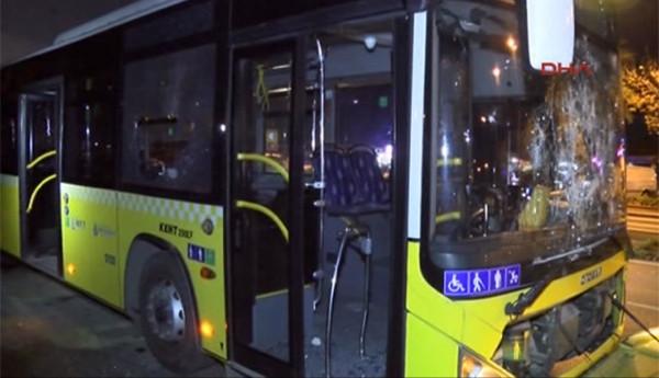 İçinde yolcular varken taşlandı