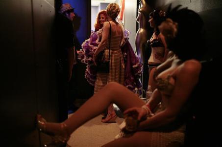80 yaşındaki striptizci