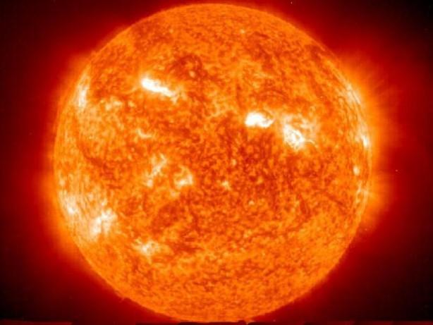 Cadılar Bayramı öncesi Güneş'in şaşırtan görüntüsü