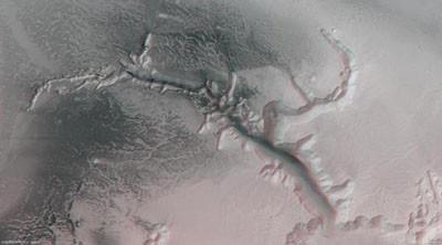 İşte Marsta keşfedilen su vadisi
