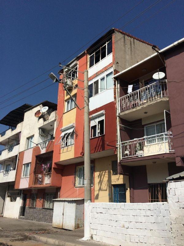 Şarj aleti evi yaktı, pencereden atlayan Aycan öldü