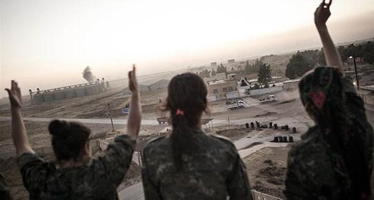 'IŞİD'le savaşan kadınları tanıma zamanınız geldi'