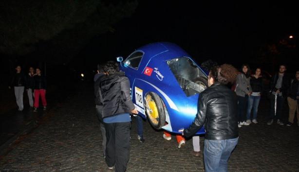 Türkiye'nin en hızlı güneş arabası yandı