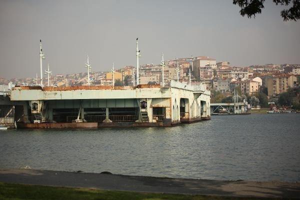 İstanbul'un ortasında akibetini bekliyor