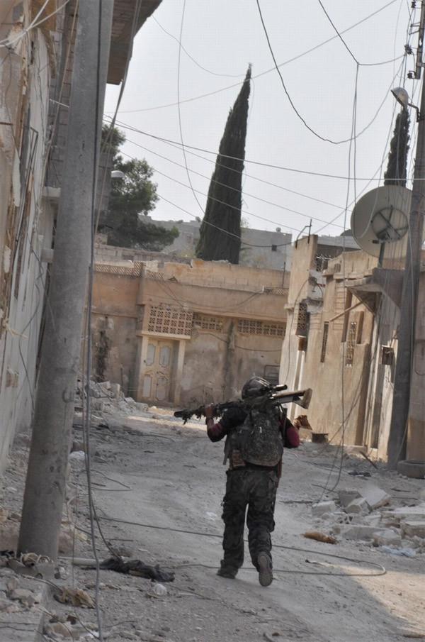 YPG'liler Kobani'de böyle görüntülendi