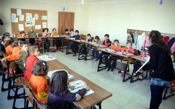 Mühürlenen Kürtçe okul yeniden açıldı