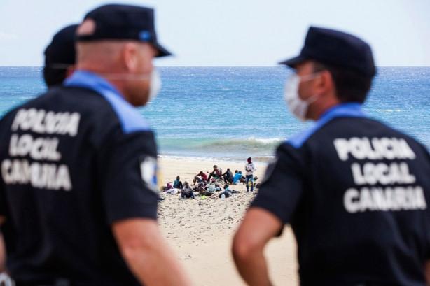 Çıplaklar plajında kriz