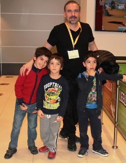 Mustafa Erdoğan oğullarıyla gezmede