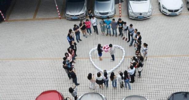 99 iPhone'lu evlilik teklifine 'hayır' dedi