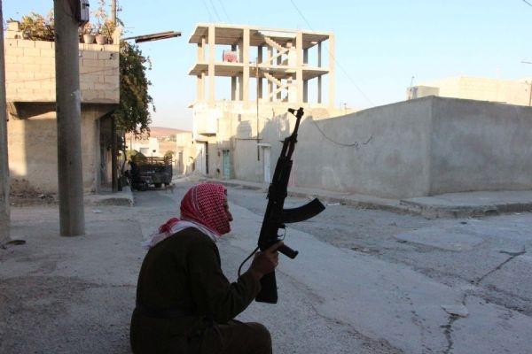 DHA, harabeye dönen Kobani'yi görüntüledi