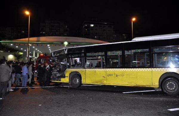 Kaza yapan Metrobüs E-5'e çıktı: 1 ölü