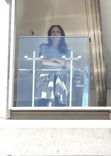 Angelina Jolie'den hüzünlü pozlar