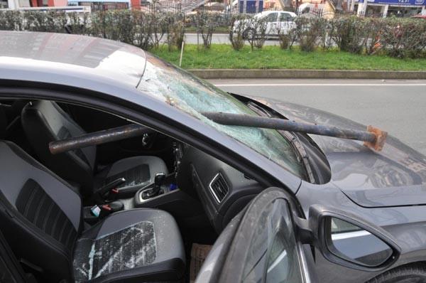 Kadın sürücü dehşeti yaşadı !