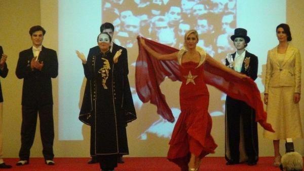 Atatürk'ün giydiği kıyafetler sergilendi