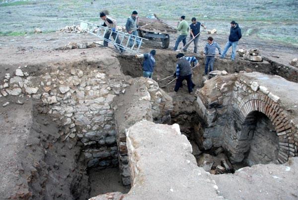 2 bin yıllık alttan ısıtmalı ev