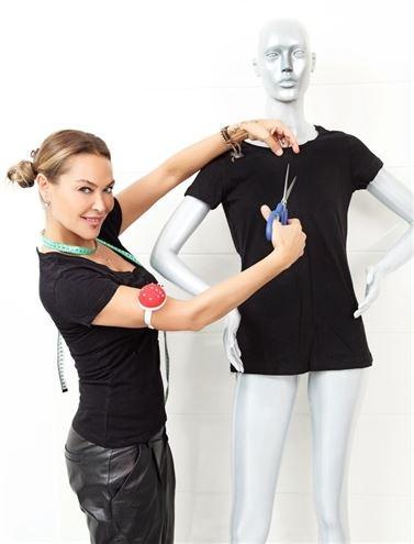 Hülya Avşar yırtık tişörtlerini satışa çıkardı
