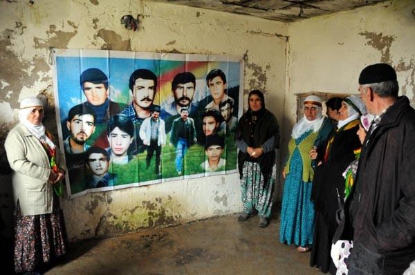 Lice'nin Fis ilçesinde PKK'nın kuruluşunu kutladılar