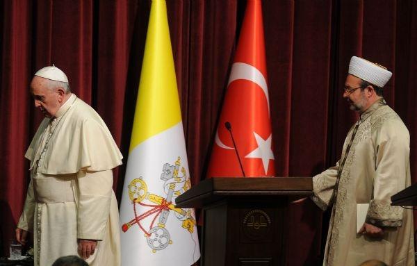 Papa Francesco 'mütevazi' geldi