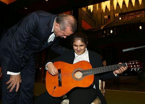 Cumhurbaşkanı Erdoğan engellileri misafir etti