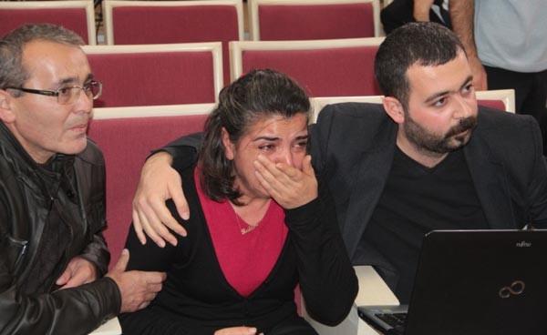 Berkin Elvan'ın annesi Meclis'te gözyaşlarını tutamadı