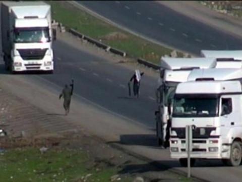 PKK yol kesip kontrol yaptı !