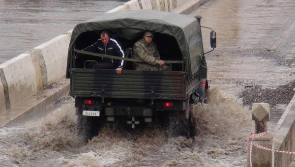 Okul tatil, asker öğrencileri taşıdı