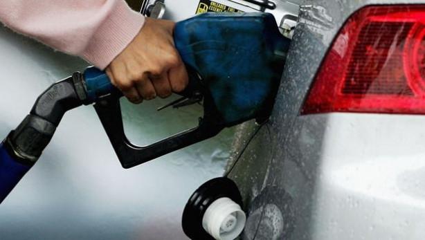 Ülkelere göre vergisiz benzin fiyatları