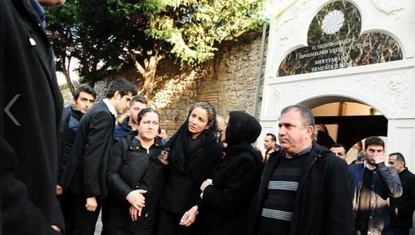 Nüfusunda İslam yazıyor cenazesi kiliseden kalktı çünkü...