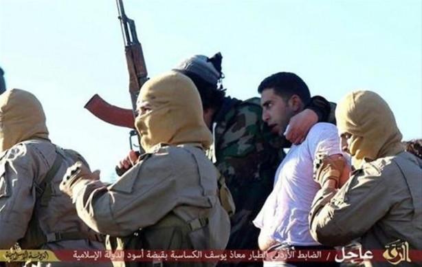 IŞİD uçak düşürdü, pilotu böyle esir aldı
