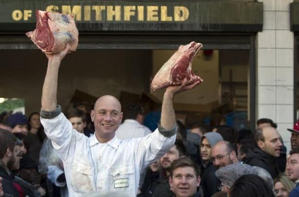 Londralı kasapların son kalan etleri kapış kapış gitti