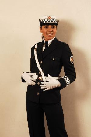 Yeni polis uniformalari