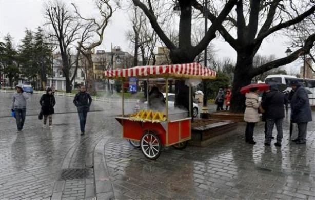 İstanbul yılın ilk gününde turistlere kaldı