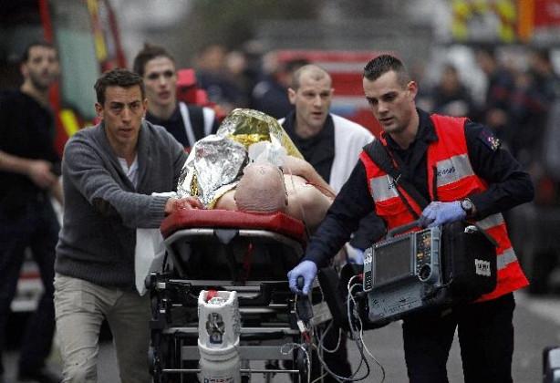 Mizahçılar Charlie Hebdo saldırısını kınadı