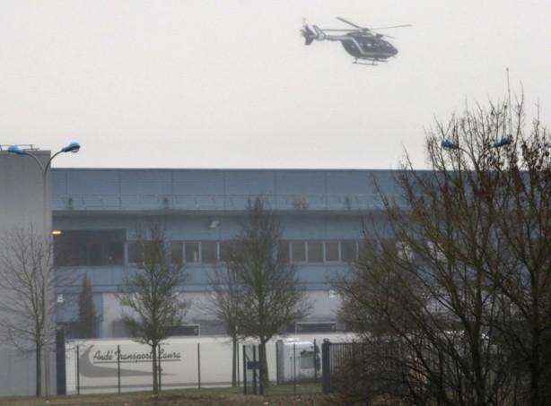 Paris'te polis saldırganların peşinde