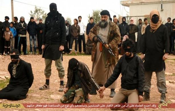 IŞİD casus oldukları iddia edilen 3 kişiyi infaz etti