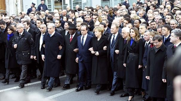Liderler omuz omuza yürüdü !