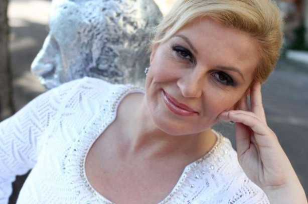 Hırvatistan'ın ilk kadın Cumhurbaşkanı Kolinda Grabar Kitaroviç