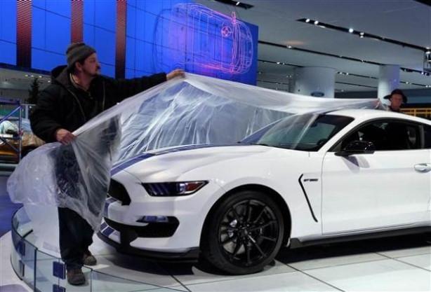 Detroit Auto Show'dan en sıcak kareler